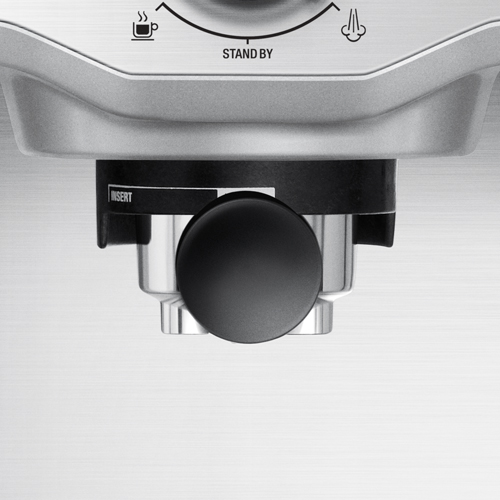 the Compact Cafe Espresso Machine in Brushed Stainless Steel extraction